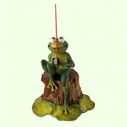 Садовая фигура Лягушка рыбак