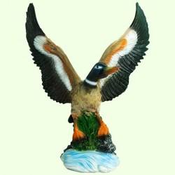 Садовая фигура Взлетающая утка