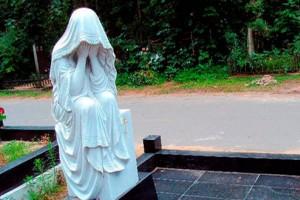 Благоустройство могил и кладбища с помощью ландшафтных фигур