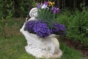 Все, что нужно знать про уличные вазоны для цветов