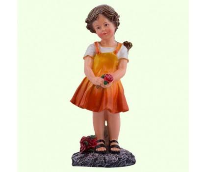 Садовая фигура Девочка с розами