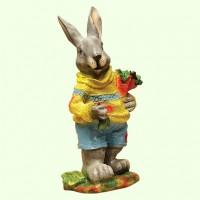 Садовая фигура Заяц с морковкой