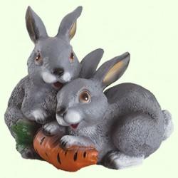 Садовая фигура Зайцы с морковкой
