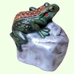 Садовая фигура Жаба на камне