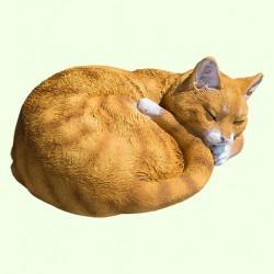Садовая фигурка Спящий кот калачиком рыжий